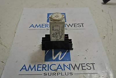 NAIS S1DX TIMER ADX11124 w/ base - USED