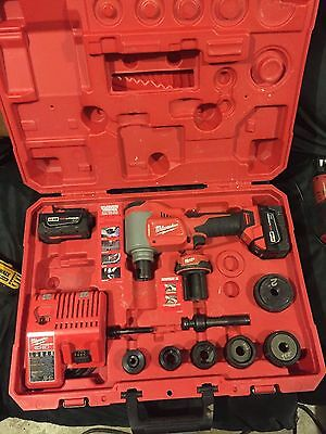 Milwaukee Force Logic M18 10 Ton Knockout Tool Kit 2676-20