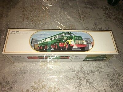 1984 Hess Tanker Toy Truck Bank Complete With Box Vintage