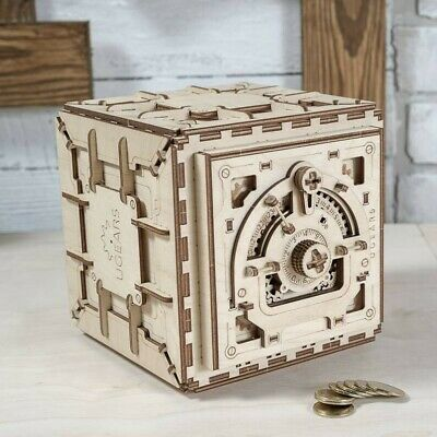 "UGEARS - Mechanical Wooden 3D Puzzle / Model ""Safe"" With Combination Lock"