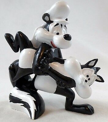 Pepe Le Pew Penelope pvc PROPOSE Toy Figure Warner Brothers Looney Tunes WB lot