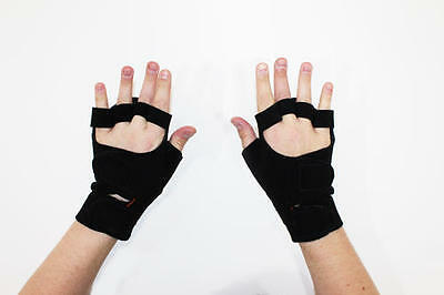 New Solace Bracing Padding Grip Wheelchair Mitts Gloves Black Size S-XL - Pair