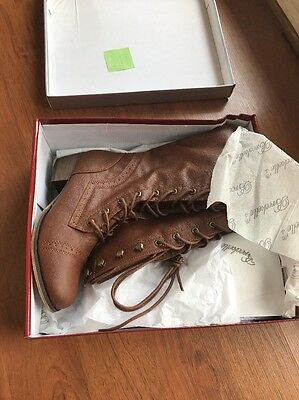 NEW Lace Up Women's Boots Size 6.5 Brown