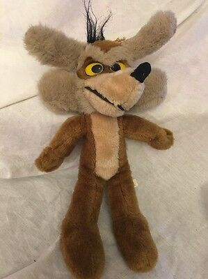 Vintage Stuffed Ace Wile E Coyote 1994 Looney Tunes 13""