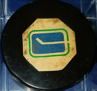 VINTAGE VANCOUVER CANUCKS NHL Hockey PUCK Converse CCM ART ROSS LARGE LOGO USA
