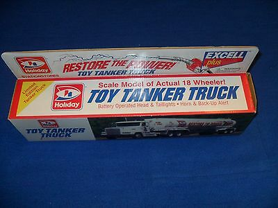 Holiday Station Stores  Toy Tanker Truck Scale Model Of Actual 18 Wheeler