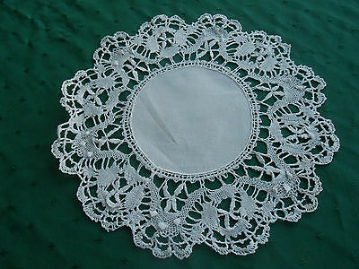 Charming Round White Linen Doily With Fine Hand Needle Lace Trim, Circa 1920