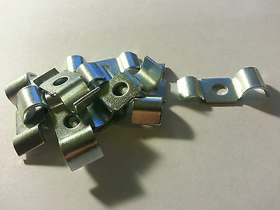 10 X BRAKE PIPE CLIPS CLAMPS ACCEPTS 3/16 & 5/16 pipe EACH SIDE part 243395