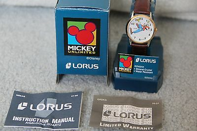 Lorus Disney Goofy Slips On Banana Peel Gold Tone Men's / Teen Watch NEW IN BOX
