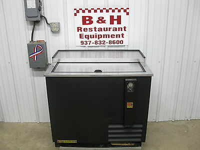 "True 36"" Forced Air Under Bar Bottle Box Refrigerator Cooler TD-36-12"
