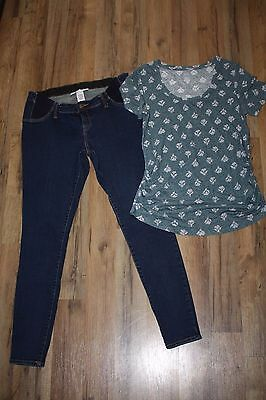 Maternity Size Medium Outfit with Short Sleeve Shirt and Jean Jeggings! EUC