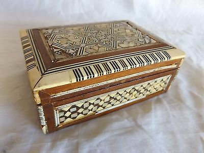 Vintage Intricate Mother of Pearl Inlaid Wooden Trinket Box ~ Red Velvet Lined