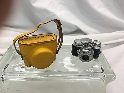 * Hit * Vintage Original Miniature Spy Camera Leather Case  Made in Japan 007