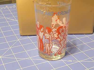 """Welch's Jelly Glass 1973 The Archies """"Betty And Veronica Give A Party"""""""