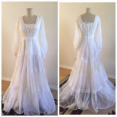 Vintage 60's Long Sleeve Boho White Lace Wedding Dress