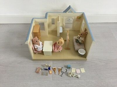 Sylvanian Families COTTAGE HOSPITAL / DOCTORS CLINIC