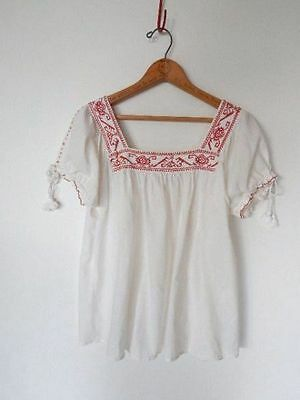 MEXICAN TOP~Vintage White Cotton Embroidered Peasant Festival Boho Blouse~XS/S