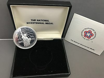 1976 National Bicentennial Medal Sterling Silver with box and COA