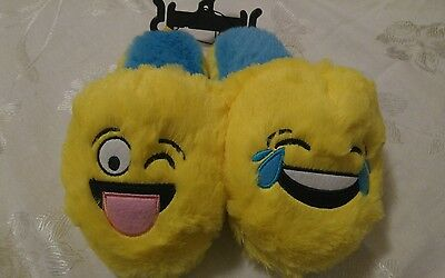 EMOJI, unisex slippers, SIZE SMALL 11/12. New!
