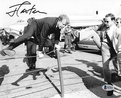 President Jimmy Carter Signed 8X10 Photo In Action Jumping Beckett Bas Coa