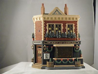 """Department 56 Dickens Village """"The Horse and Hounds Pub""""  #58340 Retired"""