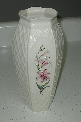 """Flawless Belleek Flower Vase With Woven Design Stands 10.5"""" Tall"""