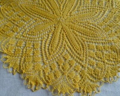 VINTAGE RETRO BRIGHT YELLOW HAND KNITTED LARGE ROUND DOILEY 32 cms across