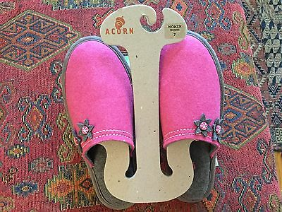 """NWTS Women's ACORN Sheepskin / Suede Slippers """"Comfort on Earth"""" Sz 7 Pink/Gray"""