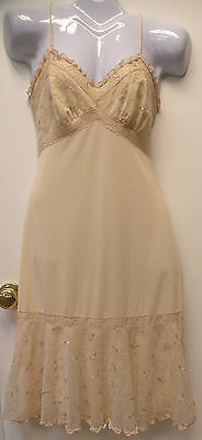 Awesome Vintage 1950s Gotham Slip Lingerie Size 34  Small   Rockabilly!