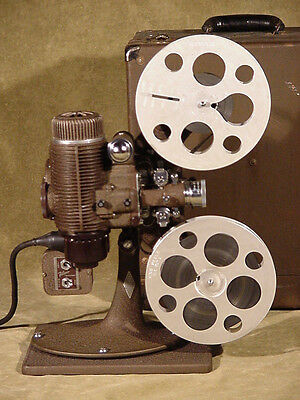 1927 BELL & HOWELL 16mm Filmo Master Projector, perfect working & Movie & Bulb
