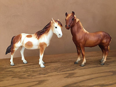 Breyer Classic Family Horses, Mustang Mare & Stallion, Vintage Lot of 2