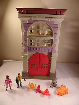 Vintage 1987 Kenner Ghostbusters Firehouse