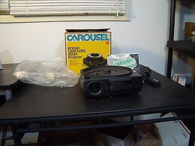 Kodak Carousel 650H Slide Projector with remote and manual