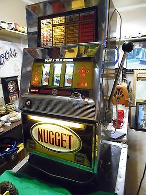 Vintage Slot Machine 25 Cent From the Golden Nugget Sparks NV