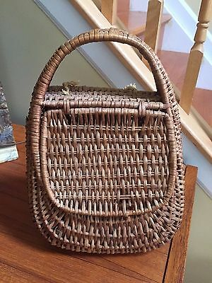 VINTAGE Nest style Wicker Picnic Lunch Basket Clothespin Purse Hand Bag two flap