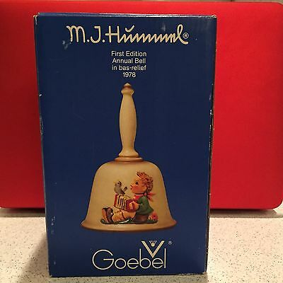Vintage Goebel Hummel First Edition Annual Bell In Bas-Relief 1978 #700 Mint