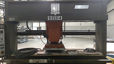Atom 25 Ton Clicker, Die Cutting Press, Model S525/4