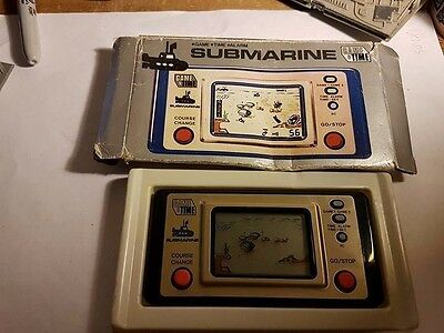 VINTAGE Game & Time SUBMARINE Electronic Handheld Travel Game Tested VINTAGE