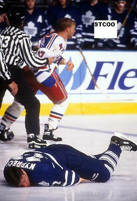 Ryan Vandenbussche KOs Nick Kypreos - Rangers/Maple Leafs 8X10 Fight Photo