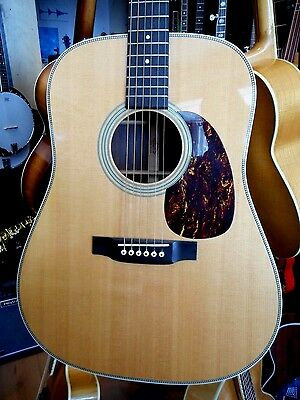 """Martin HD-28 Electric / Acoustic Guitar Made in USA """"2005"""""""