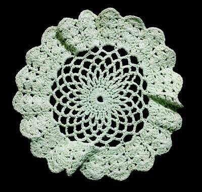 Vintage green lace round pretty crochet doily measuring 30cm across