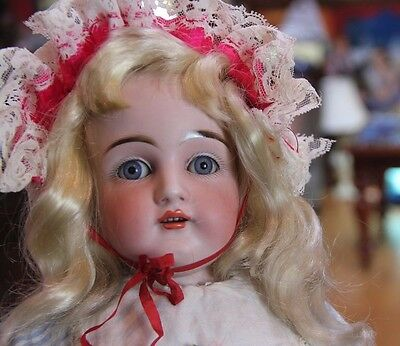 "Gorgeous Face 19"" Antique Doll  - Blue Eyes - Blond hair - Leather body - dep."