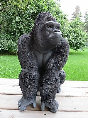 GORILLA SITTING FIGURINE JUNGLE animal LAWN ORNAMENT NEW 21 in. resin APE