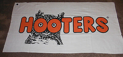 """Hooters 30"""" X 60""""  White Beach Towel New in Package With Tags"""