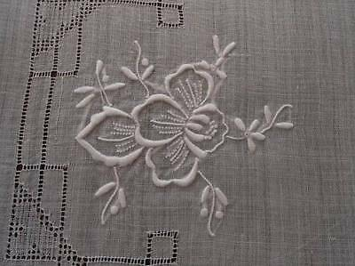 Vintage White Linen Embroidered Placemats Drawn Thread Lace Flowers Set 6