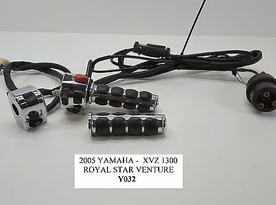 2005 Yamaha XVZ1300 Royal Star Chrome Control Switch Left Right Throt 99-09 Y032