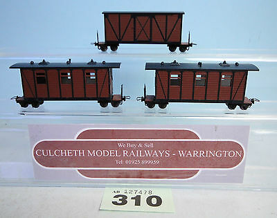 LILILIPUT/ROCO '009/HOe' RAKE OF 3X BOX CAR 4 WHEEL COACHES/WAGONS UNBOXED #310