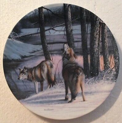COLLECTABLE WOLF PLATE - 8 1/4 INCHES - NORTHERN SPIRITS by KEVIN DANIAL- BRADEX