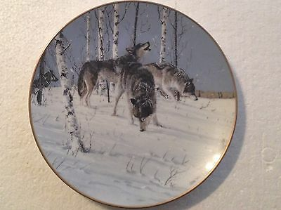 Collectable Wolf Plate 8 1/4 Inches - Picking Up The Trail - Princeton Gallery