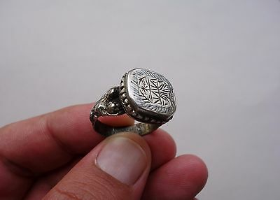 ancient silver late Roman or Byzantine, nicely engraved ring with niello inlay